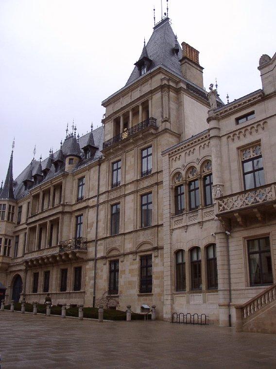 Lux De Ville